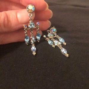 💎Blue Jeweled💎 Chandelier Earrings!